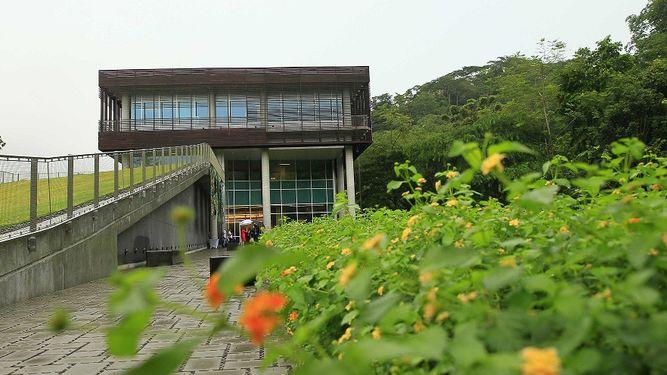 Éste es el único laboratorio del Smithsonian fuera de Estados Unidos, y según sus promotores es el más moderno y completo de toda Centroamérica para este tipo de estudios.