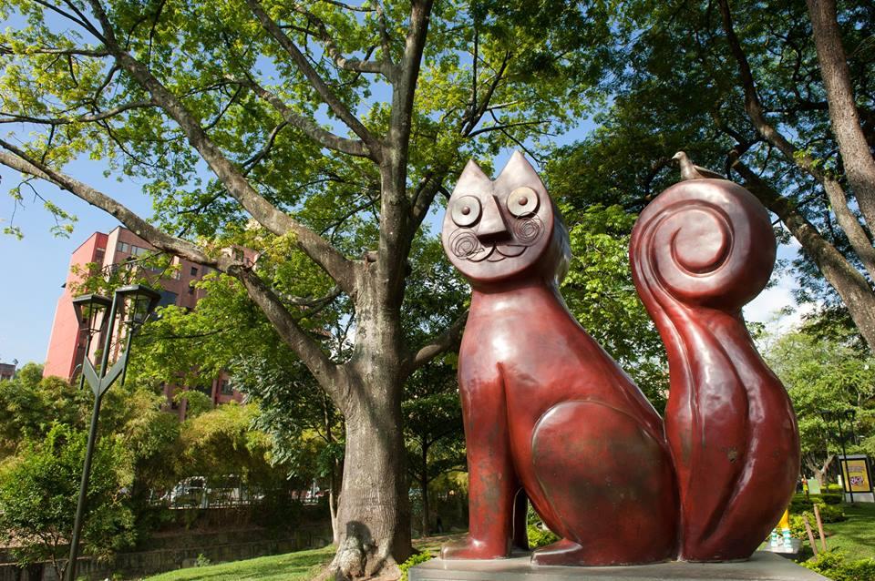 Monumento al gato del río
