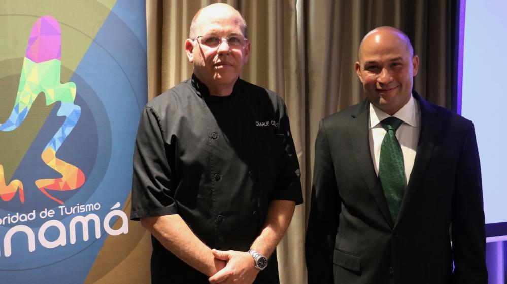 """presentacion """"T'ACH Cocina Autóctona Panameña"""" es el nuevo libro del reconocido chef y experto en catering de alto nivel, Charlie Collins, que será publicado a finales de este año con el apoyo de la Autoridad de Turismo de Panamá (ATP)."""