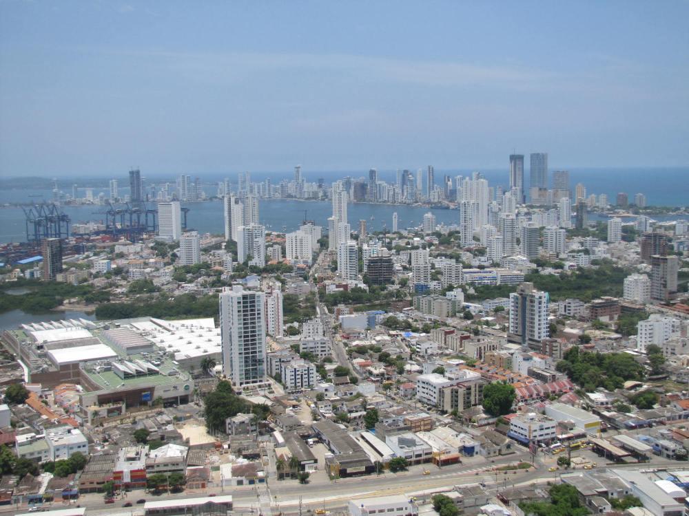 Enmarcada por una hermosa bahía, Cartagena de Indias es una de las ciudades más bellas y conservadas de América. Cartagena de Indias, uno de los destinos más populares en auge en el mundo según TRIPADVISOR