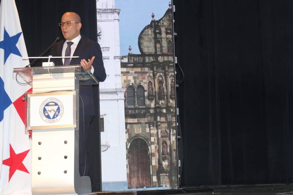 Sr.Gustavo Him, Ministro de Turismo de Panama (ATP)