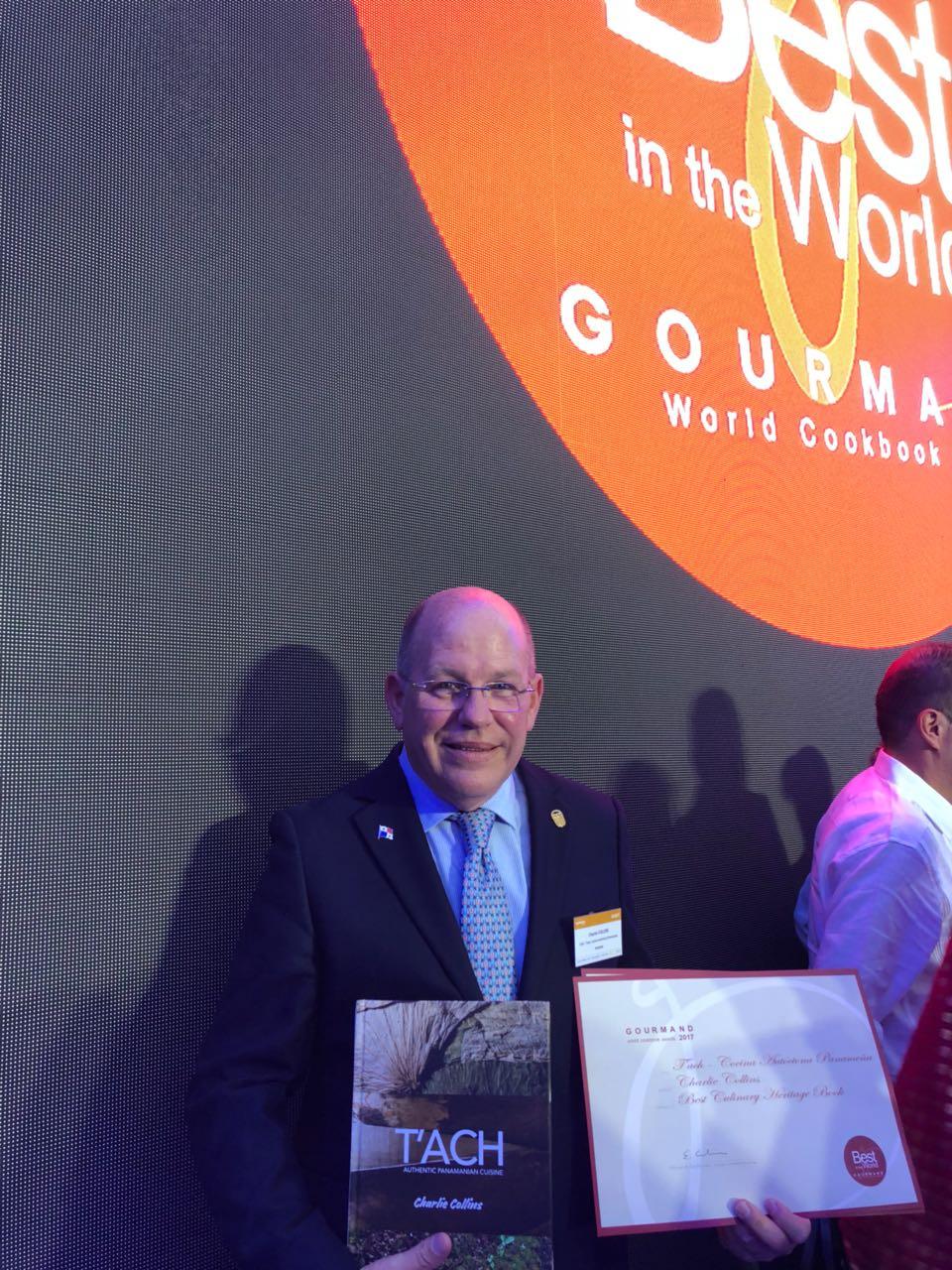 Premiación en Yantai China al Chef Chollins