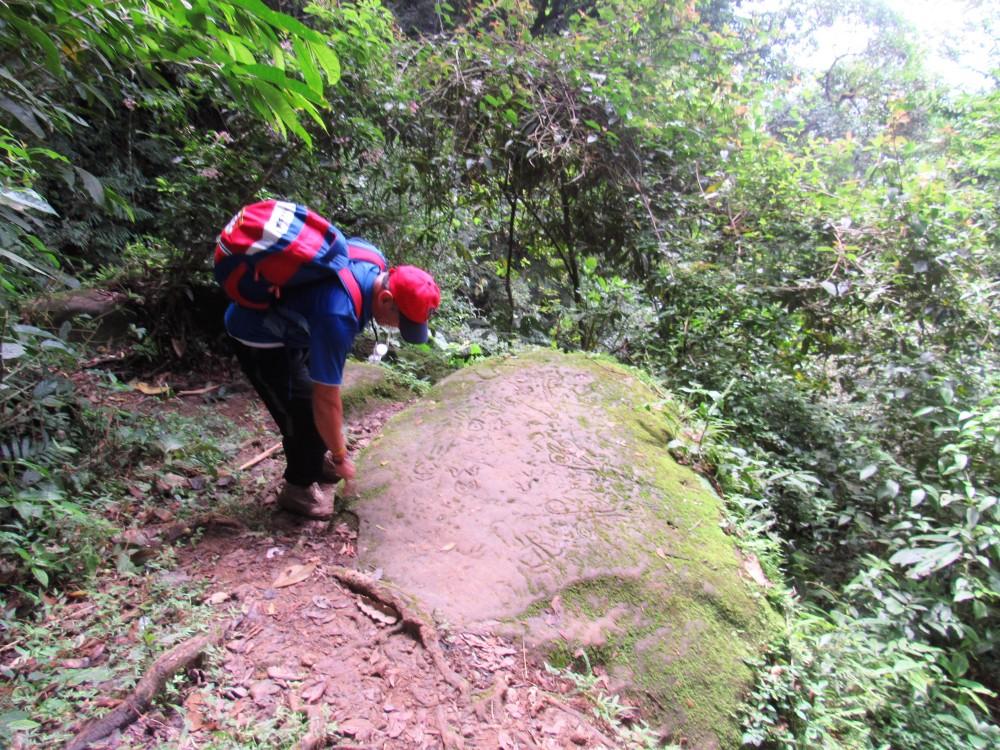 Valle de Antón 83. Piedra del sapo y sus jeroglíficos