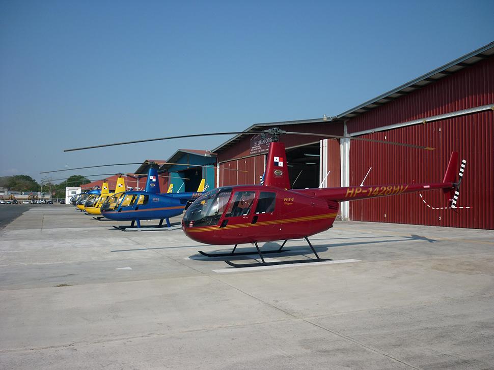 Foto de los hangares de Helipan en el Aeropuerto de Albrook