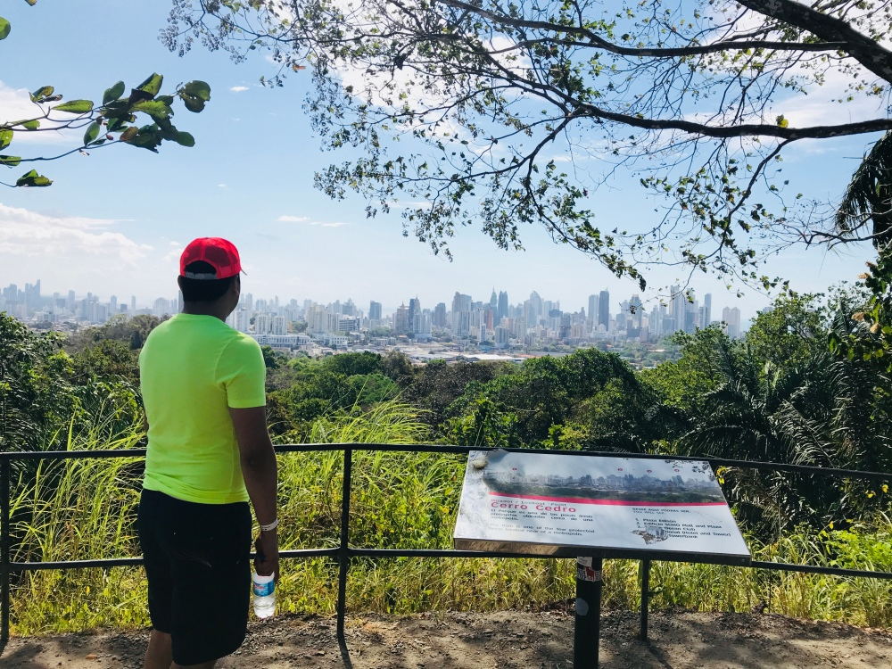 La vista de la Ciudad de Panama desde el Cerro Cedro