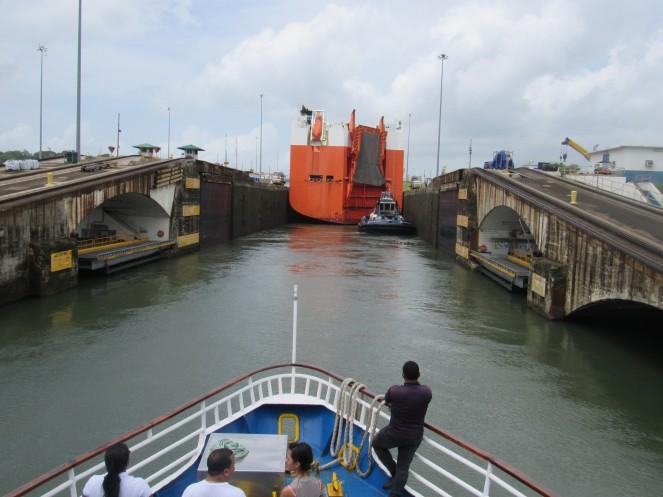 Paseo canal 28. Ingreso a la esclusa de Gatún