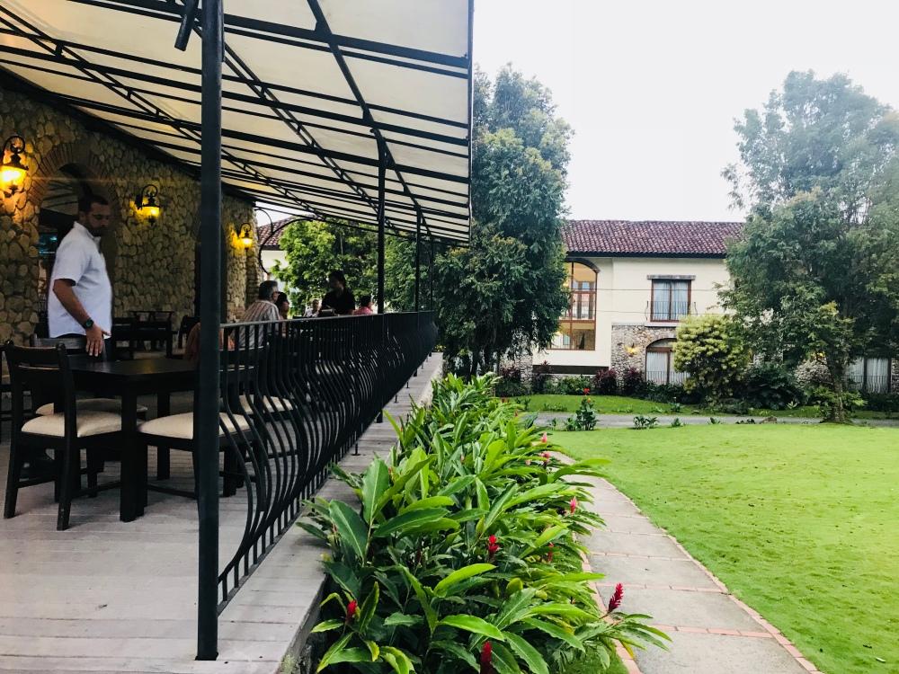 O'Pedro's Pub and La Tasca de Triana restaurant.