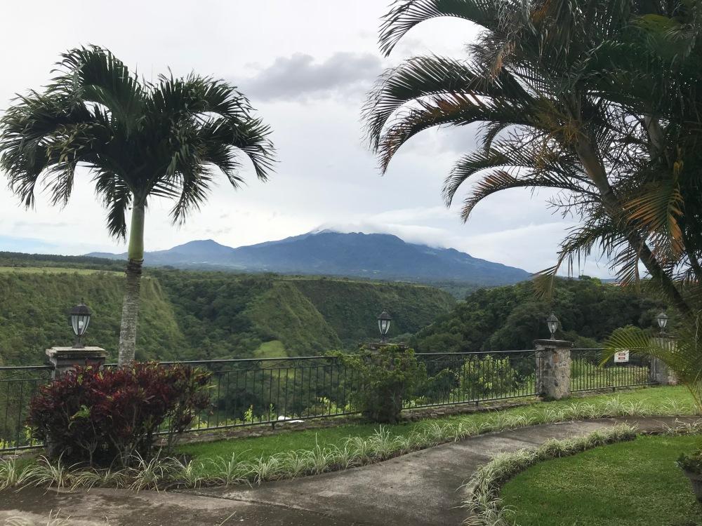 Hermosas vistas desde el Hotel hacia el Volcan Baru