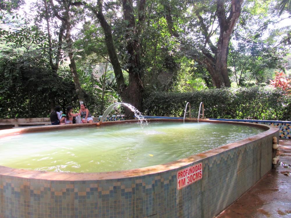 Valle de Aton la piscina de las Aguas termales